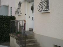 Bestehender Eingang zu EFH in Aarau.