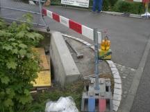 fertiggestellter Betonsockel von Brückensanierung
