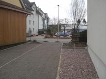 Neue Parkplätze, Steingarten und Abschlüsse aus Granit.