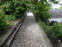 natürlich wirkende Gartenwege mit Rheinkies erstellt in Rheinfelden.