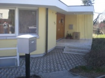 Neuer Hauseingang aus Verbundsteinen. EFH in Möhlin.