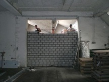 Kalksandsteinmauerarbeiten. Industrie Rheinfelden.