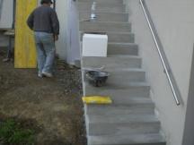 Neue Treppe erstellt und Keller von aussen dämmen.