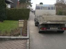 Neuer Strassenrandabschluss aus Granit-Pflaster