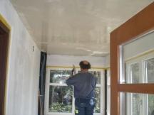 Weissputz an Decke erstellen. Sanierung Eingang in EFH.